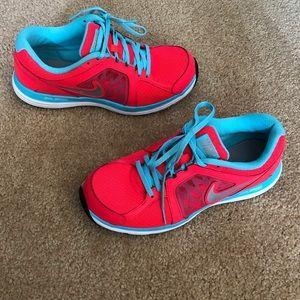 Nike Dual Fusion ST3 - Women's size 9